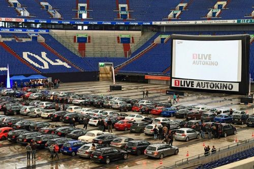 Airscreen drive in movie